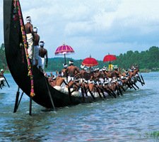 Cheraihotel.com - Alappuzha is famous for its boat races
